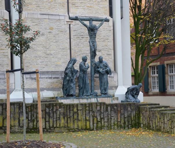 Kreuzigungsgruppe am Horsteberg, an der Rückwand der Domkammer © entdecker-greise.de