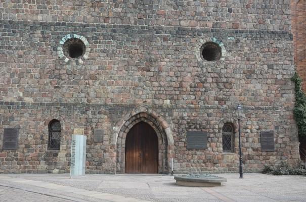 Eingang zur Nikolaikirche ©entdecker-greise.de