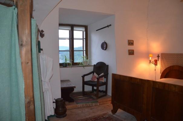 Mein Studentenzimmer auf Burg Bernstein - denn die Stille ist die Quelle aller Kraft ©entdecker-greise.de