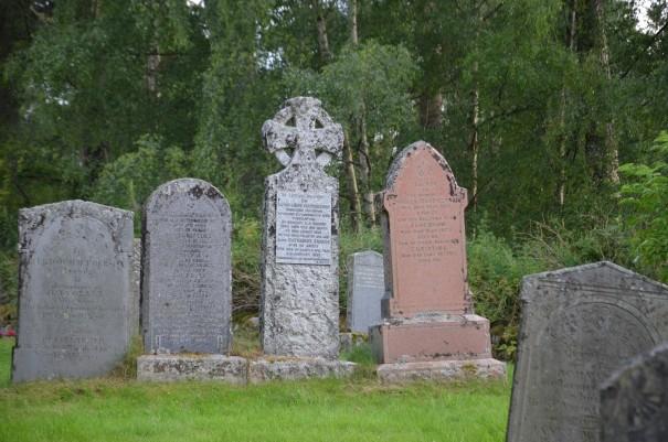 Und noch einmal der Friedhof bei Alvie ©entdecker-greise.de