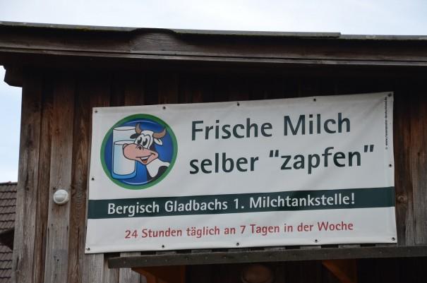 Milch zapfen - auch mal eine nette Idee, bsonders für die Wanderer ©entdecker-greis.de