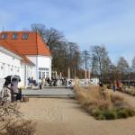 Ausblick auf das Freibad mit Strandhaus ©entdecker-greise.de
