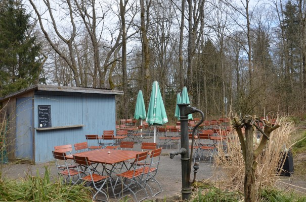 Der Biergarten vom Donnersberger Waldhaus, dem höchstgelegensten Lokal der Pfaz ©entdecker-greise.de