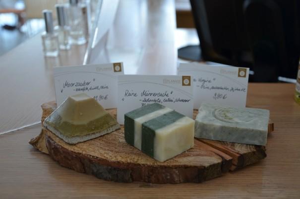 Handgefefertigte Seifen aus der hauseigenen Seifenmanufaktur des Hotel Esplanade Resort & Spa Bad Saarow  ©entdecker-greise.de