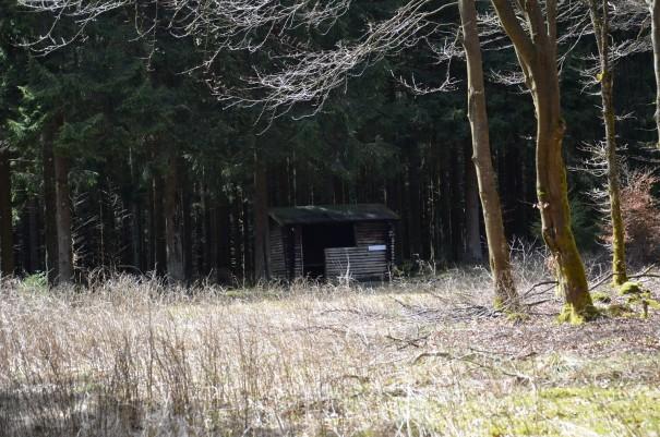 Eine Schutzhütte auf der Narzissenroute ©entdecker-greise.de