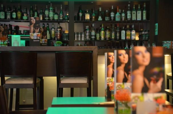 In der hauseigenen Bar kann man den Abend gemütlich ausklingen lassen ... ©entdecker-greise.de