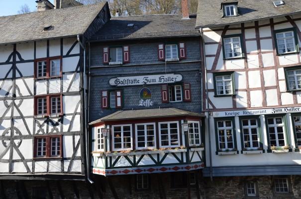 Verwinkelt und nicht unbedingt immer gradlinig, so zeigt sich Monschau in liebenswerter Art. ©entdecker-greise.de