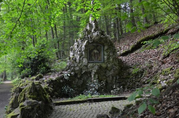Der Kreuzweg bei Marienthal - ein mystischer Ort voller Magie #TTwandern auf dem Westerwald Steig ©entdecker-greise.de