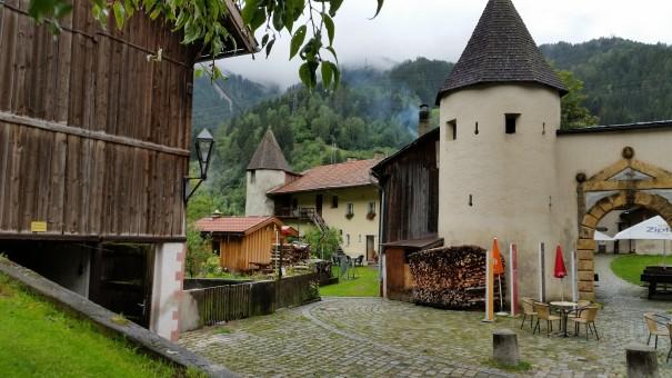 Heute ist das Schloss ein Zentrum der Kultur, der Begegnung und ... der Liebe, denn auch Eheschließungen finden hier statt. ©entdecker-greise.de