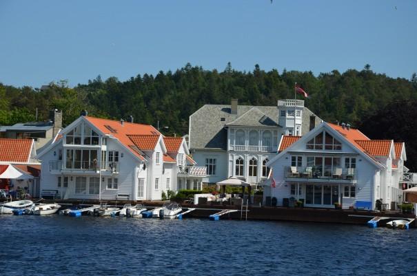 So gediegen lässt es sich in Mandal, Südnorwegen wohnen. Das wär doch mal was ... ©entdecker-greise.de