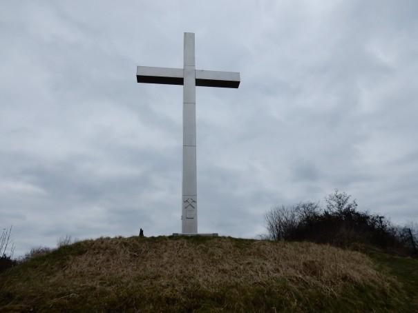 Das Barbarakreuz zum Schutz der Bergleute ist noch heute ein Wahrzeichen der Region. ©entdecker-greise.de