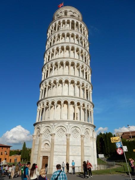 Der Weg ist das Ziel! Kurzer Stop am schiefen Turm von Pisa ... ©entdecker-greise.de