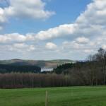 Weitblick auf die Dhünntalsperre von der Wasserlandroute aus. ©entdecker-greise.de