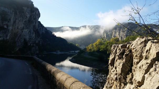 Das Tal der Ardeche - wenn der Tag schon wundervoll beginnt! ©www.entdecker-greise.de