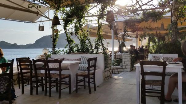 Hier auf Korfu sind Essen und Aussicht einfach nur Genuss pur!©www.entdecker-greise.de