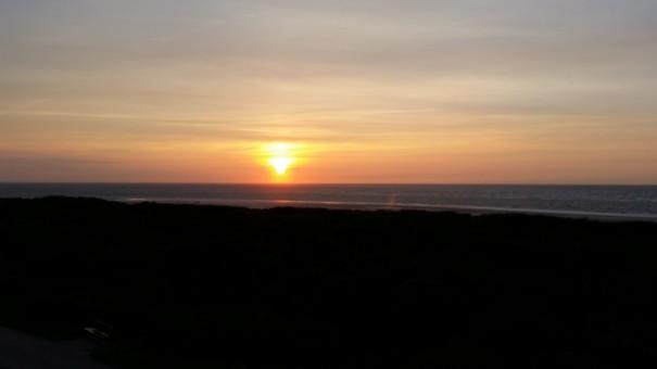 Freie Sicht auf die herrlichsten Sonnenuntergänge, aus dem Panorama Restaurant Seekrug, auf Langeoog.©www.entdecker-greise.de