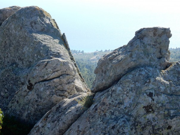 Hoch oben auf dem Petros-Felsen ©www.entdecker-greise.de #corfelios