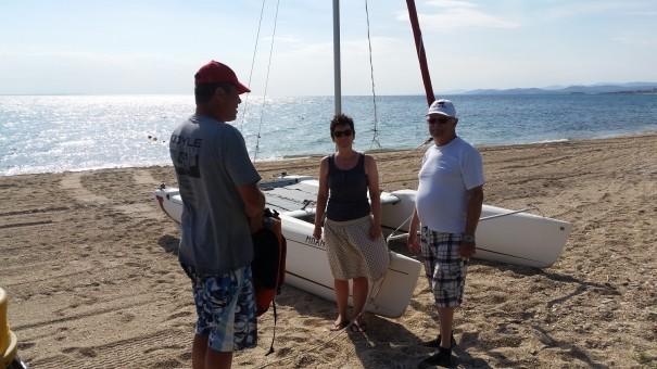 Nach der erfolgreichen Segeltour wird das gerade erlebte und erlernte in der Theorie noch einmal besprochen. ©www.entdecker-greise.de #corfelios