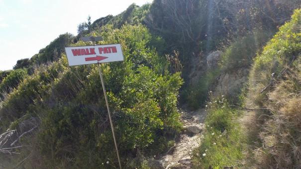 Von hier ab beginnt der Berziegenpfad ;-) #corfelios ©www.entdercker-greise.de